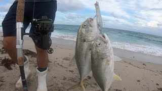 UNBELIEAVABLE... 2 Fish on 1 Lure!!!