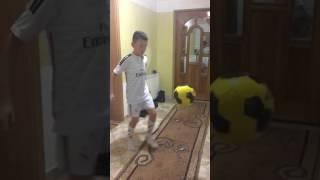 Trika te futbollit nga Abi