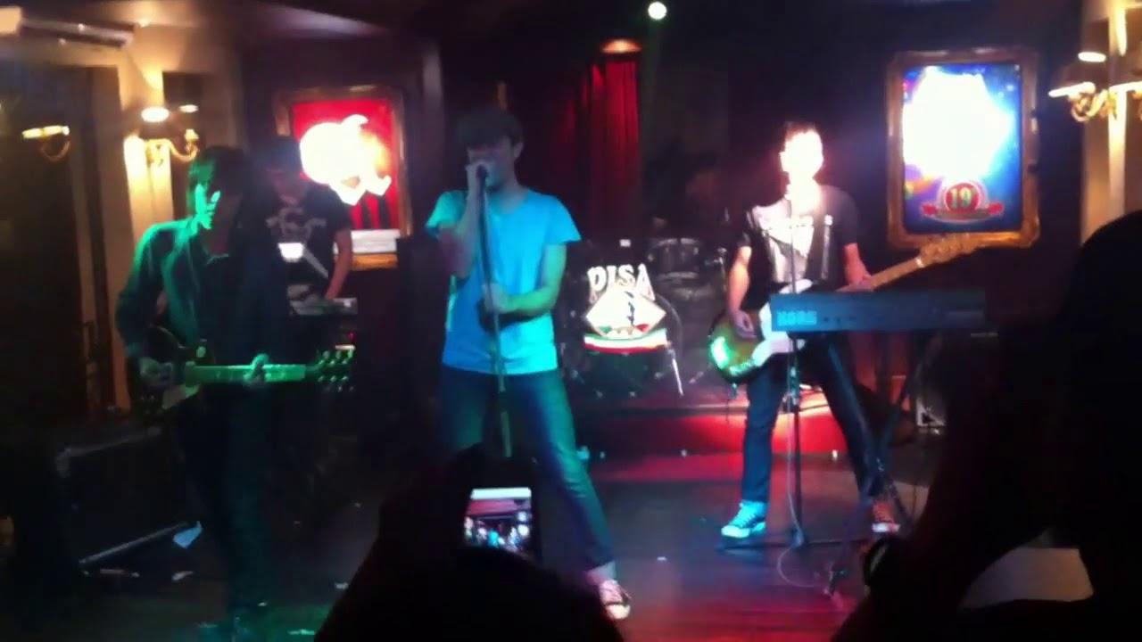 the-upstairs-layak-dikenang-live-at-amngigs-13-deathrockstar