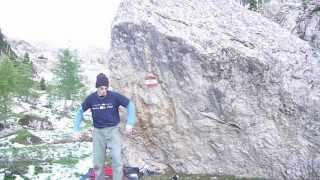 Bouldering in forcella Rinbianco: Trevisani ruggenti 7c+ Thumbnail