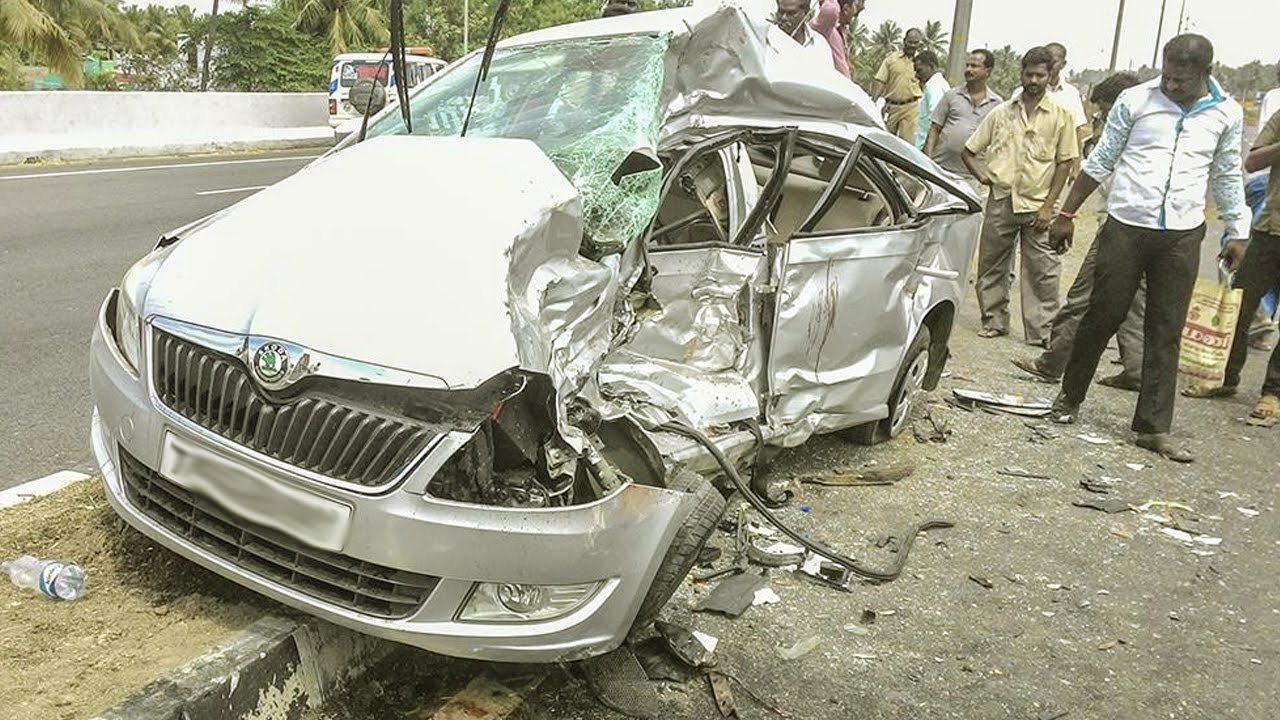 Latest Car Accident Of Skoda Rapid In India Road Crash