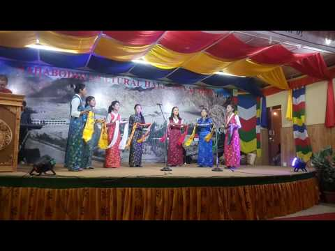Welcome song by the students of Mahabodhi