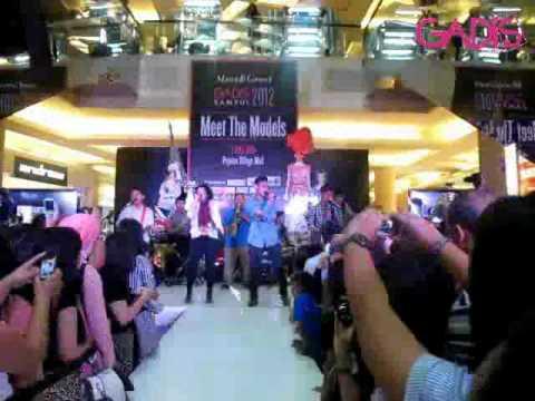 HiVi-Lihatlah Dunia (Live at Meet & Greet GADIS Sampul 2012)