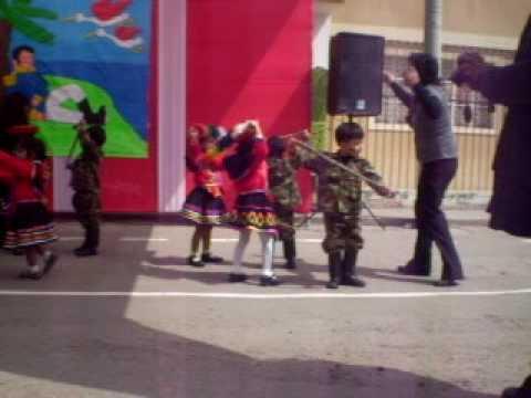 Gerson bailando por fiestas patrias