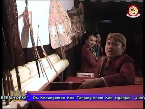 Bowo Caping Gunung oleh Sinden Sukesi Rahayu (Kesi) Dalam Pagelaran Wayang Kulit Ki Cahyo Kuntadi