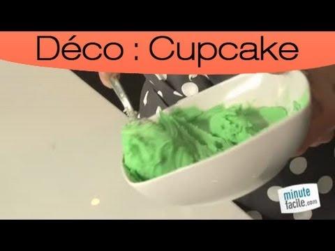 faire-une-coloration-de-la-creme-au-beurre-pour-cupcake