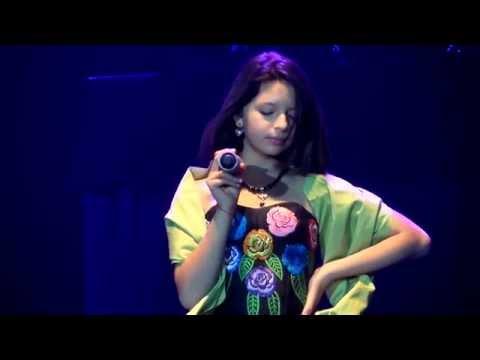 Angela Aguilar - Cielo Rojo