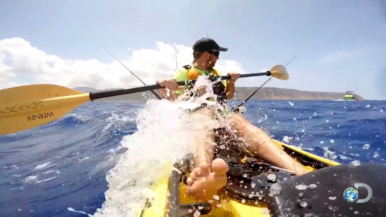 Getting a dangerous taste of hawaiian kayak fishing youtube for Kayak fishing hawaii
