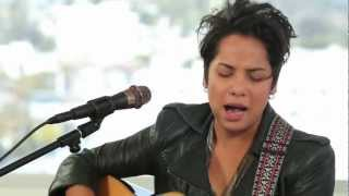 "Live On Sunset - Vicci Martinez ""Hold Me Darlin"