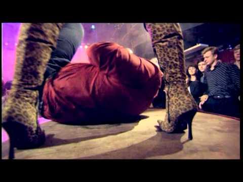Ундервуд — Молчим и курим (премьера клипа) | Doovi скарлетт йоханссон едет в херсон
