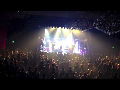 Metric - Live At The El Rey - Speed To Collapse
