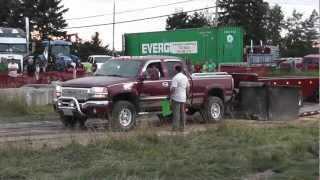 GMC Truck pull FAIL! Dude busts wifes truck in truck pulls!!! Powassan ON. part 2