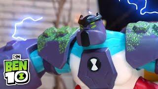 Ben 10 Toys | Four-Arms vs Steam Smythe | Cartoon Network