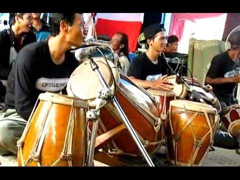 TRANCE - Horse Dance GAMELAN Music Instruments - Kuda Lumping JATHILAN Kesurupan [HD]