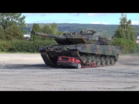 Panzer Leopard 2a6 252 Berrollt Auto Car Squashed By Tank