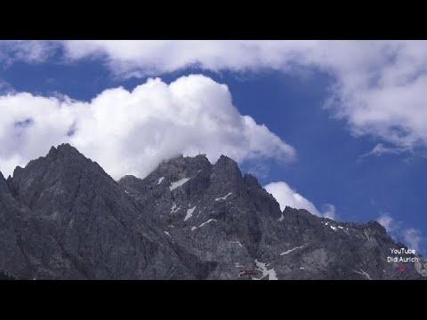 rundgang-zugspitze-zugspitzgipfel-gipfelkreuz-der-zugspitze-gipfel-der-zugspitze-höchster-berg