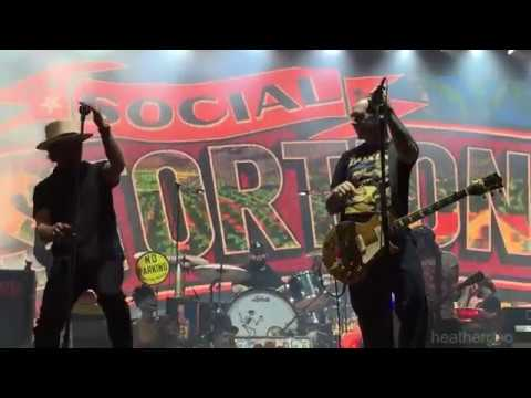 Social Distortion featuring Eddie Vedder - Ball & Chain - live at Ohana Fest 2017