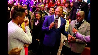 NOT SEEN BEFORE Pastor Alph LUKAU gives a man a wife right in Church
