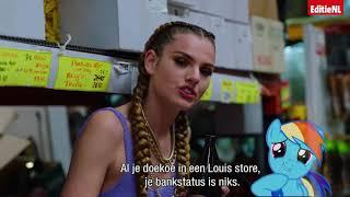 """Wat zingt Famke Louise nou in """"Op Me Monnie""""? - EDITIE NL"""