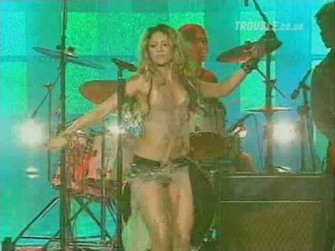 Shakira Whenever, Wherever   Live At San Remo Festival   2002