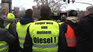 Gegen Fahrverbote: Gelbwesten protestieren in Stuttgart