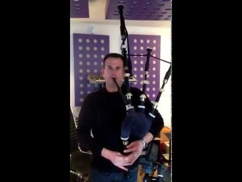 Auld Lang Syne -  Bagpipe Solo