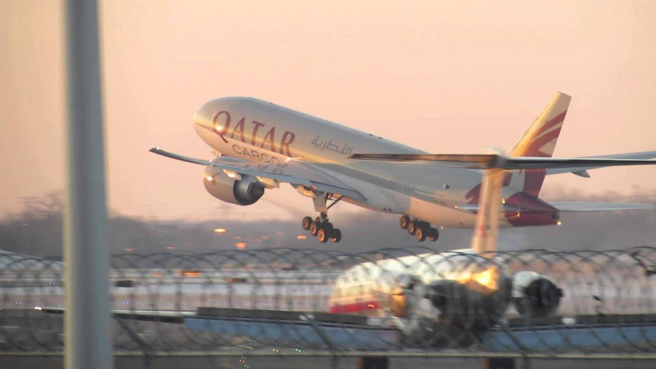 Qatar Cargo Boeing 777-FDZ - O'Hare Int'l Airport - Runway ...  Qatar Cargo Boe...