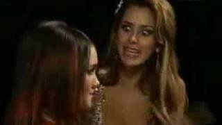 Alma cachetea a Roberta - Rebelde - RBD