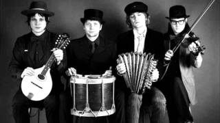 The Raconteurs - Attention