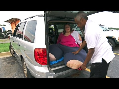 Unable To Fit In A Seat, This Woman Will Spend A 20-Hour Road Trip In The Back Of The Car