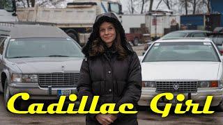 Kinga két Cadillackel jár, de a Fleetwoodban nem lennél utas
