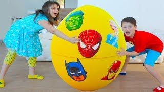Ali and Adriana Pretend Play Super hero Eggs Surprise Toys Hunt