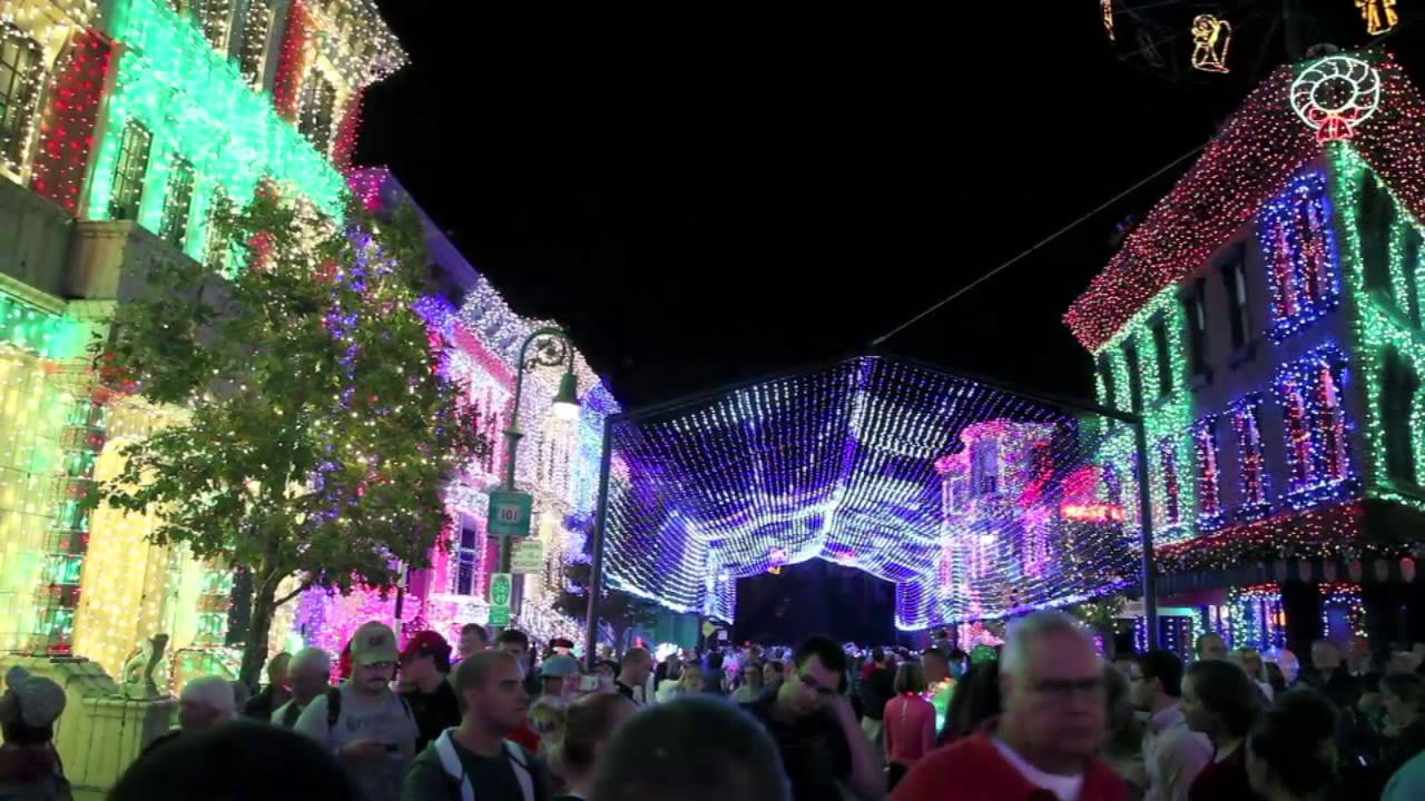 Christmas Lights At Disneyu0027s Hollywood Studios: Osborne Family Spectacle Of  Dancing Lights