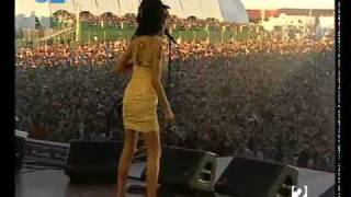 Amy Winehouse Wake Up Alone Live Madrid