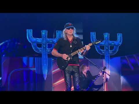 Bo and Jim - Glen Tipton joins Judas Priest on Stage!