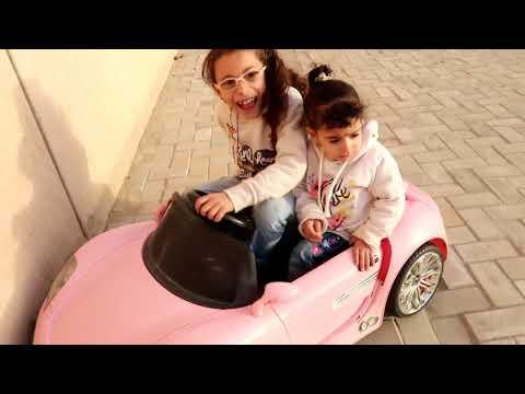 ملكة وعبدالله ومريم عاملو حادث بالسيارة مريم بكت!!