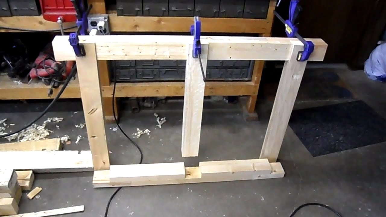 Building a Workbench From Pallet Wood - YouTube