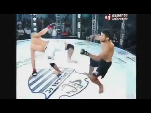Compilation capoeira démonstration et knockout