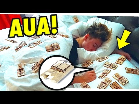 100 MAUSEFALLEN AM BETT!! (PRANK) 😂 from YouTube · Duration:  4 minutes 4 seconds