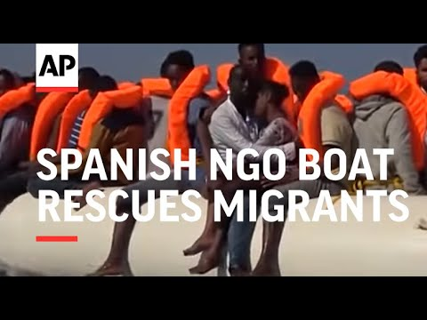 Spanish NGO boat rescues more than 700 migrants