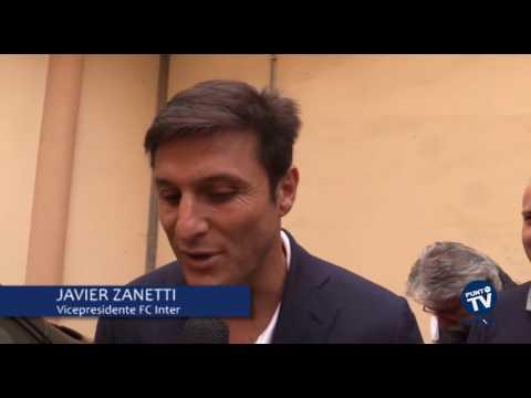 Zanetti campione in campo e fuori: la bandiera dell'Inter a Bitonto tra sport e solidarietà