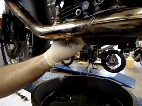 MAX BMW Garage R1200GS Oil Change