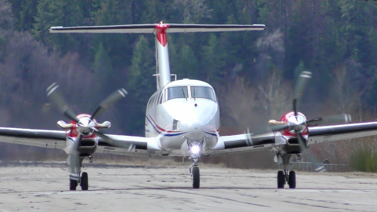 Beechcraft King Air 350 Takeoff Youtube
