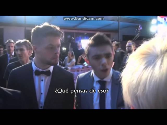 Entrevista a Jay y Nathan (sobre Ariana Grande, Jai Brooks) Pride Of Britain Awards 2013 Videos De Viajes