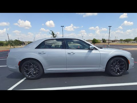 2019 Chrysler 300s | Clean Factory Wheels!