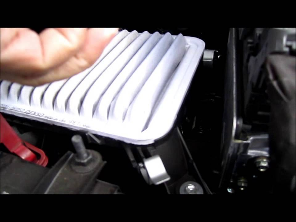 How to Replace Engine air filter on Toyota Camry 2012 or newer - YouTube