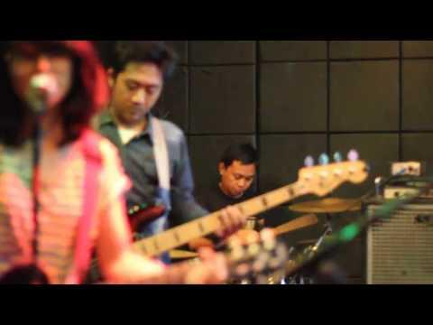 Cherry Bombshell - Langkah Peri (HOWS Cover)