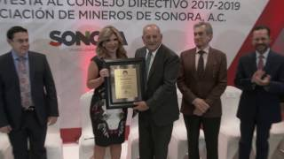 Gobernadora toma protesta al Consejo Directivo 2017-2019 de AMSAC