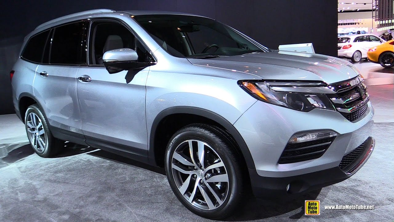 2017 honda pilot touring exterior and interior walkaround 2017 detroit auto show youtube. Black Bedroom Furniture Sets. Home Design Ideas