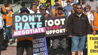 Auckland bus drivers march Queen st for better pay, hours